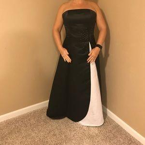 Strapless black/white sequin dress